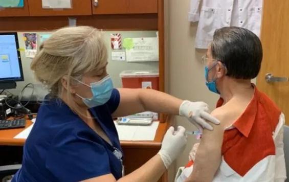 Especialistas destacan eficacia de vacunas contratadas por RD