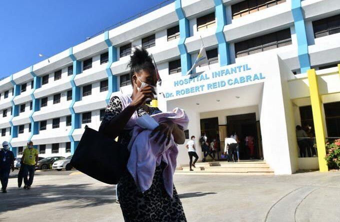 EL CORONAVIRUS EN AUGE Quedan pocas camas UCI en las clínicas